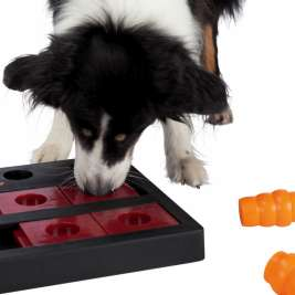 Trixie Dog Activity Chess  40x27 cm Svart